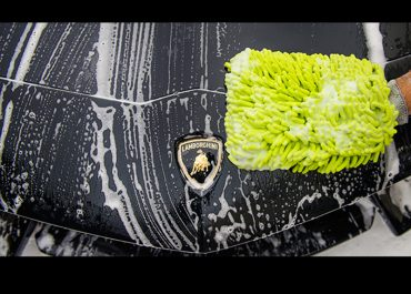 Cara Mencuci Mobil Minim Gores